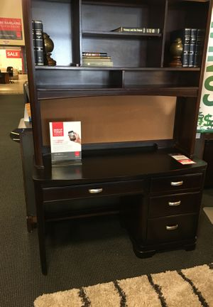 Study Desk & Hutch for Sale in Alexandria, VA
