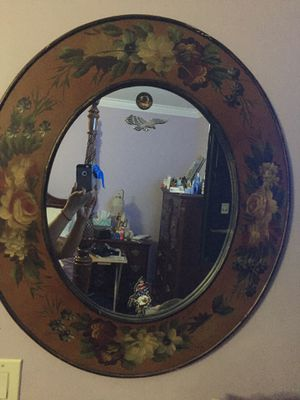 Beautiful oval mirror for Sale in Parkland, FL