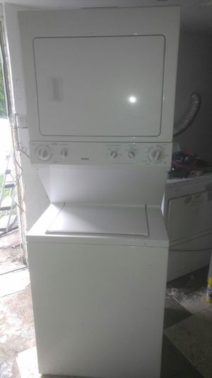 Stackable washer&dryer Kenmore great condition for Sale in Temple Hills, MD