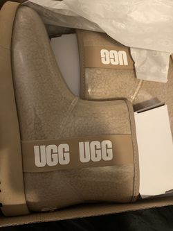 Uggs Brand New Size 9 Unlimited U Can't Find These No Where for Sale in Philadelphia,  PA