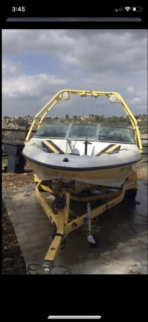 21' Aztec crow wake ski boat current tags for Sale in Riverside, CA