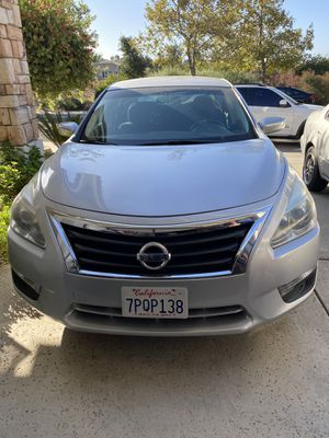 2013 Nissan Altima 78k miles clean title for Sale in Elk Grove, CA