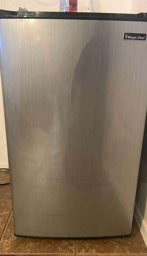 Magic chef mini fridge for Sale in Phoenix, AZ