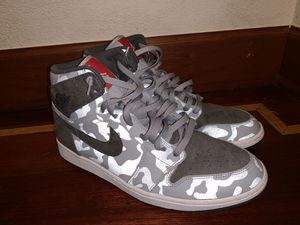Air Jordan 1 glow brand new size 13 for Sale in Maple Valley, WA