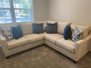 Secentional couch for Sale in Cherry Hill, NJ