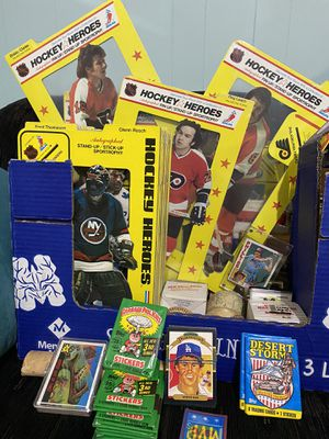 Hockey pop ups from the 70's and other sport cards . for Sale in Blackwood, NJ