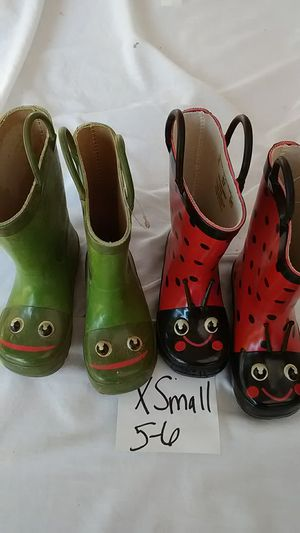 Rainy Boots Size XSmall 5/6 Frog &LadyBugg Both Played With never actually used for the rain Pre-Owned as is Take both for $5 for Sale in Moreno Valley, CA