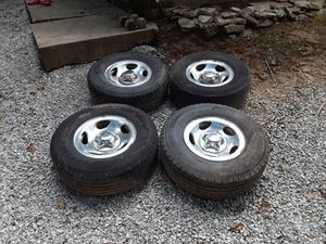 Set of 4 Ford f-150 or expedition wheels and tires for Sale in Spencer, IN