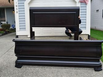 King Sleigh Bed Frame Universal Furniture for Sale in Tacoma,  WA