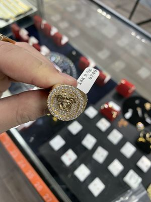 14k Gold Ring for Sale in Kissimmee, FL