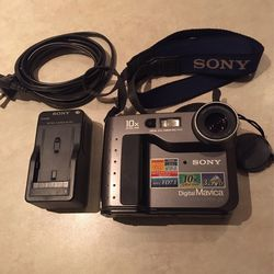 Modern Vintage: Floppy Disk Sony Camera for Sale in Aurora,  CO