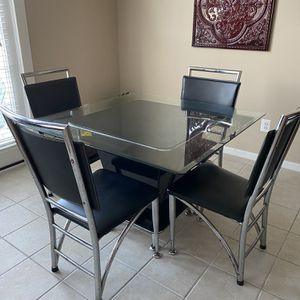 Glass Top Kitchen Table With 4 Chairs for Sale in Manassas, VA