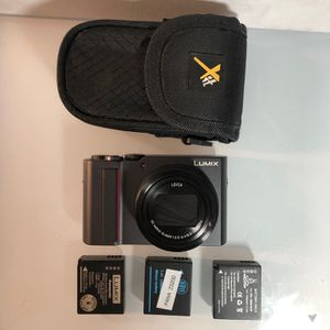 Panasonic Camera ZS200 4K 20 Megapixels W/ Case & 2 Batteries for Sale in Tacoma, WA