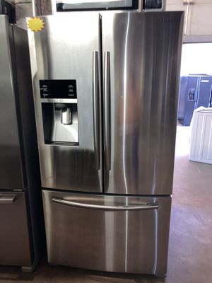 Samsung 36in. Counter depth French doors refrigerator in excellent condition with 4 months warranty for Sale in Baltimore, MD