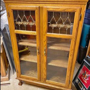 Vintage Glass Hutch for Sale in Chantilly, VA