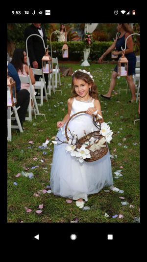 Flower girl dress (ivory/white) beautiful for Sale in Miami, FL