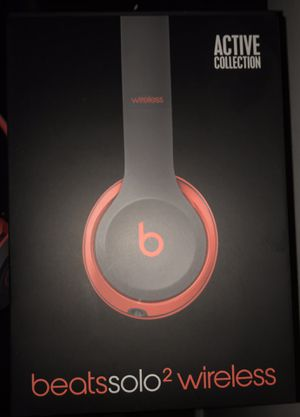 Beats Solo2 Wireless active collection LIKE NEW for Sale in Bellevue, WA