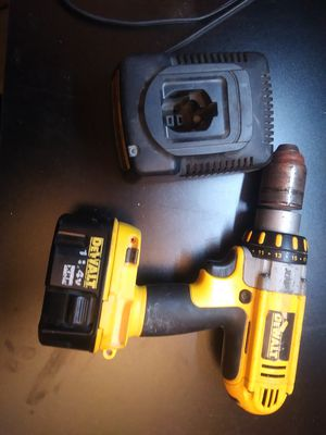 Dewalt drill and charger for Sale in Ham Lake, MN