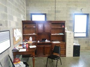 Office furniture free for Sale in Cleveland, OH