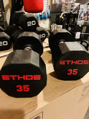 NEW 35 lb SET DUMBBELLS for Sale in Sunrise, FL