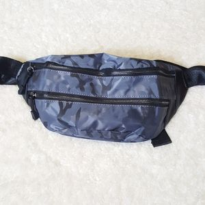 Reflective Blue Nylon Leather Fanny Pack for Sale in Baltimore, MD