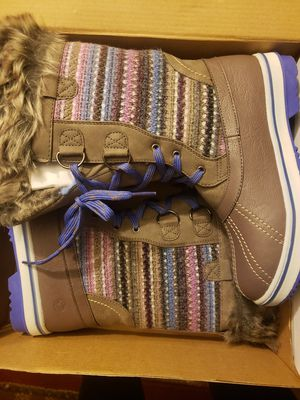 Kids boots sz 4 for Sale in Happy Valley, OR