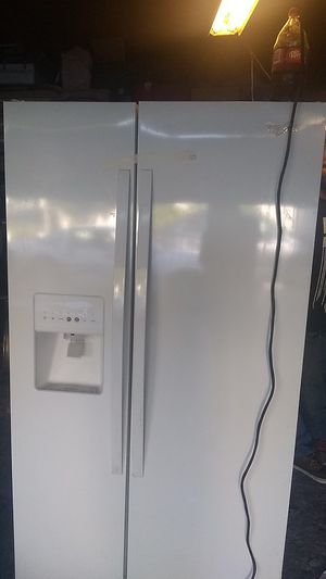 Whirlpool double door fridge for Sale in Long Beach, CA