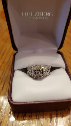 Engagement ring/ wedding band for Sale in Woodhaven, MI