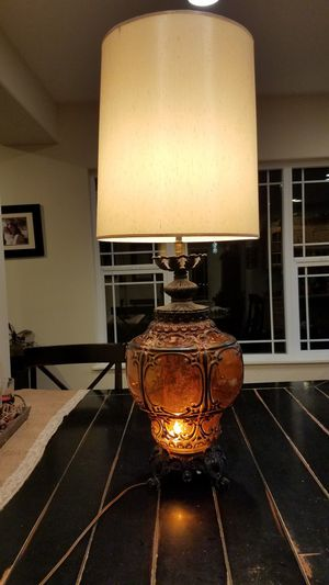 Beautiful Vintage Amber Lamp for Sale in Enumclaw, WA