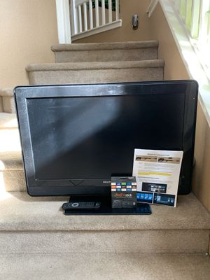 "32"" Phillip lcd tv for Sale in Clovis, CA"