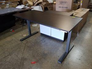Stand up desk for Sale in Miami, FL