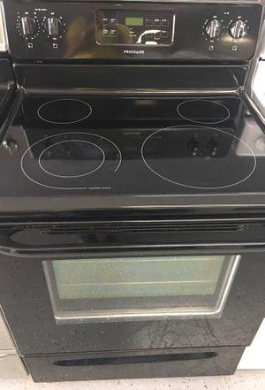 Frigidaire stove-30 days warranty for Sale in Orlando, FL