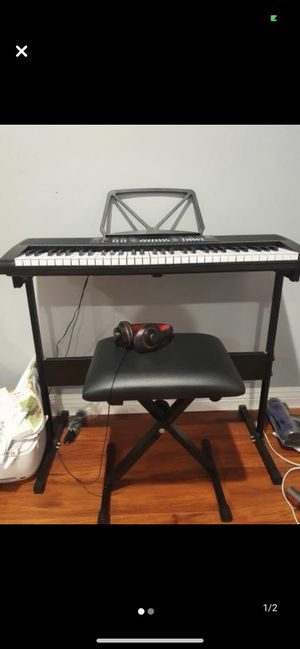 Electric Piano Keyboard for Sale in Rolling Hills Estates, CA
