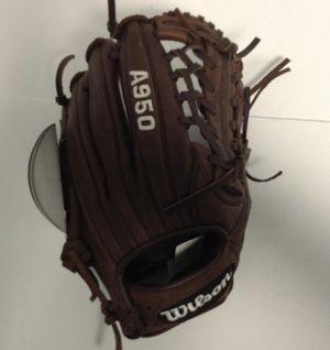 Wilson Baseball Glove for Sale in Garden Grove, CA