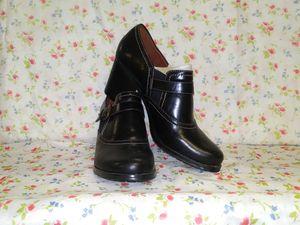 Naturalize ankle boots for Sale in Jonesboro, GA
