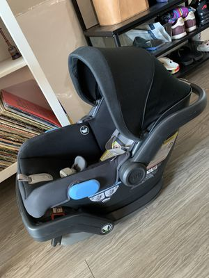 Uppa Baby Mesa Infant Car Seat in Jake Black with Warranty and receipt for Sale in East Los Angeles, CA