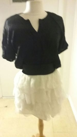 Black large front tie shirt with short white tulle skirt medium for Sale in Rockville, MD