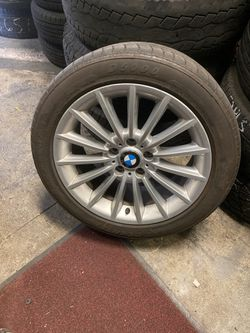 SET OF 4 matching 2014 BMW 535i OEM WHEELS WITH TIRES 90% treading for Sale in North Highlands,  CA