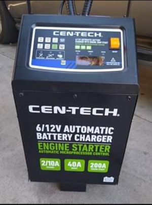 6/12V Automático Battery charger for Sale in Modesto, CA