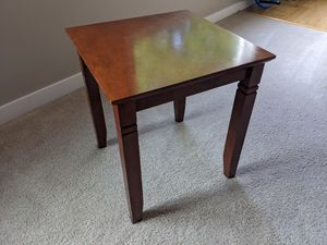 End table - free for Sale in Renton, WA