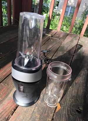 Ninja kitchen blender / juicer for Sale in Atlanta, GA