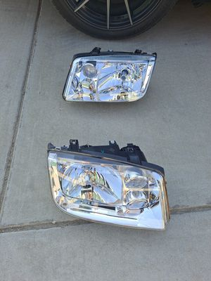 Volkswagen Jetta Headlights (New) Free Delivery or Meet for Sale in Fresno, CA