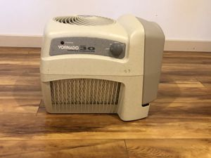 Varnado single tank filtered humidifier for Sale in Kirkland, WA
