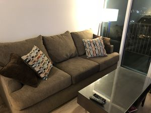 CAN DELIVER TUESDAY ONLY - Nearly New Couch for Sale in Nashville, TN