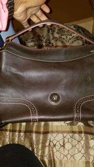 Brown leather Dooney and burke hobo bag..like new condition for Sale in Florissant, MO