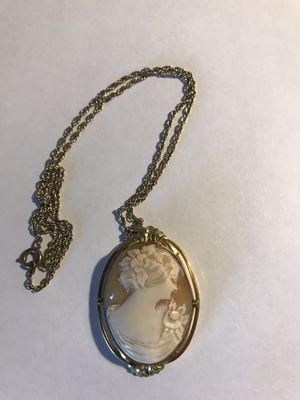 1930's vintage Cameo locket for Sale in Auburn, WA