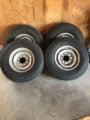 Wild Country snow tires for Sale in Prineville, OR