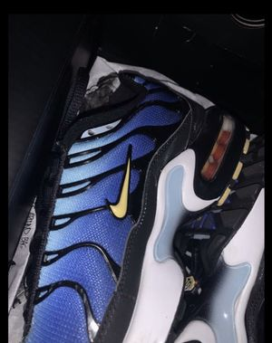 Air max (GS) 6.5 for Sale in Rockville, MD