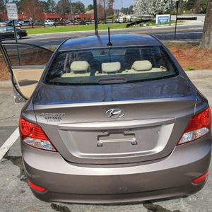 Hyundai accent 2013 for Sale in Lawrenceville, GA