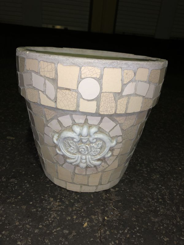 Medium/small Flower pot